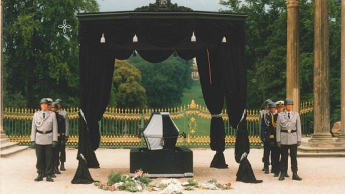 Reburial of the coffins of Frederick William I and Frederick the Great to Potsdam