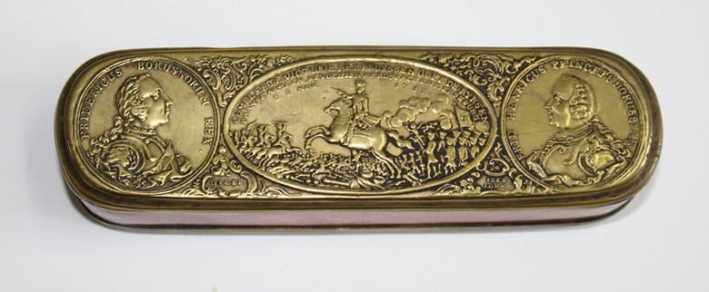 Tobacco box Victory at Roßbach and Merseburg (5 November 1757) left: Frederick the Great, right: Prince Friedrich Heinrich Ludwig of Russia